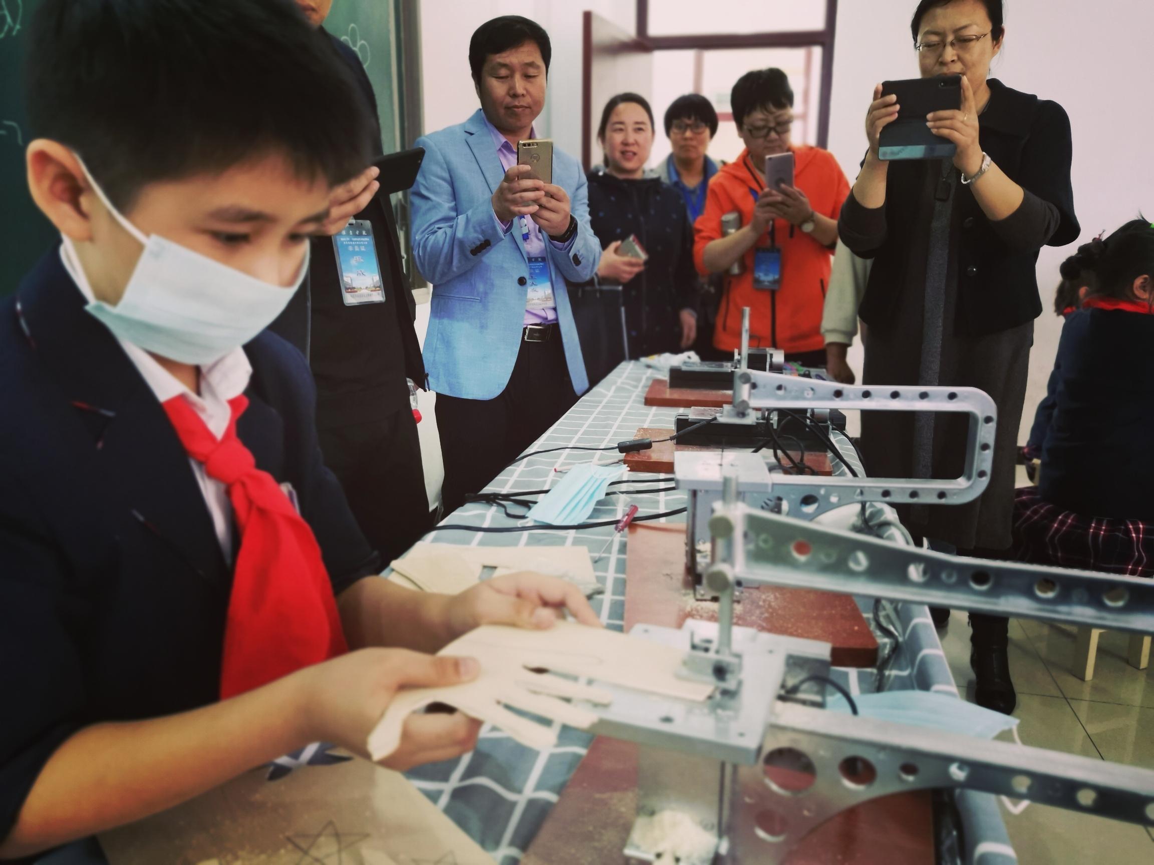 """""""我的洛克""""机床系列课程迎接河北省项目县小学校长参观"""