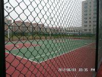 供应足球场排球场网球场 PE包塑塑胶围网