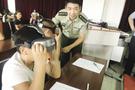 """VR体验火场逃生 安全教育不再""""干巴巴"""""""