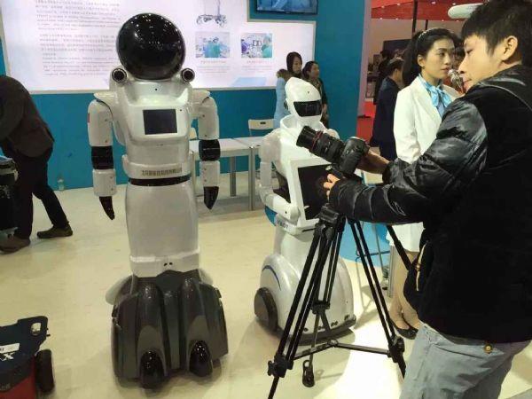 智能佳服务机器人,智能服务创新未来