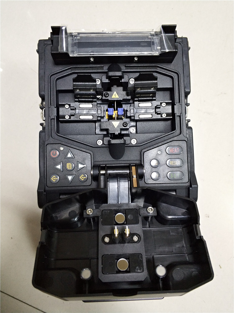 Telcomway精工M210C FTTH光纤熔接机四合一夹具多功能光纤熔接机