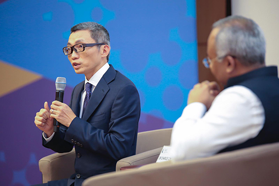 """新加坡管理大学举办""""领袖视野讲座"""" 陈一丹分享教育如何开拓无限可能"""